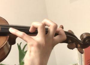 ヴァイオリン十度手の形